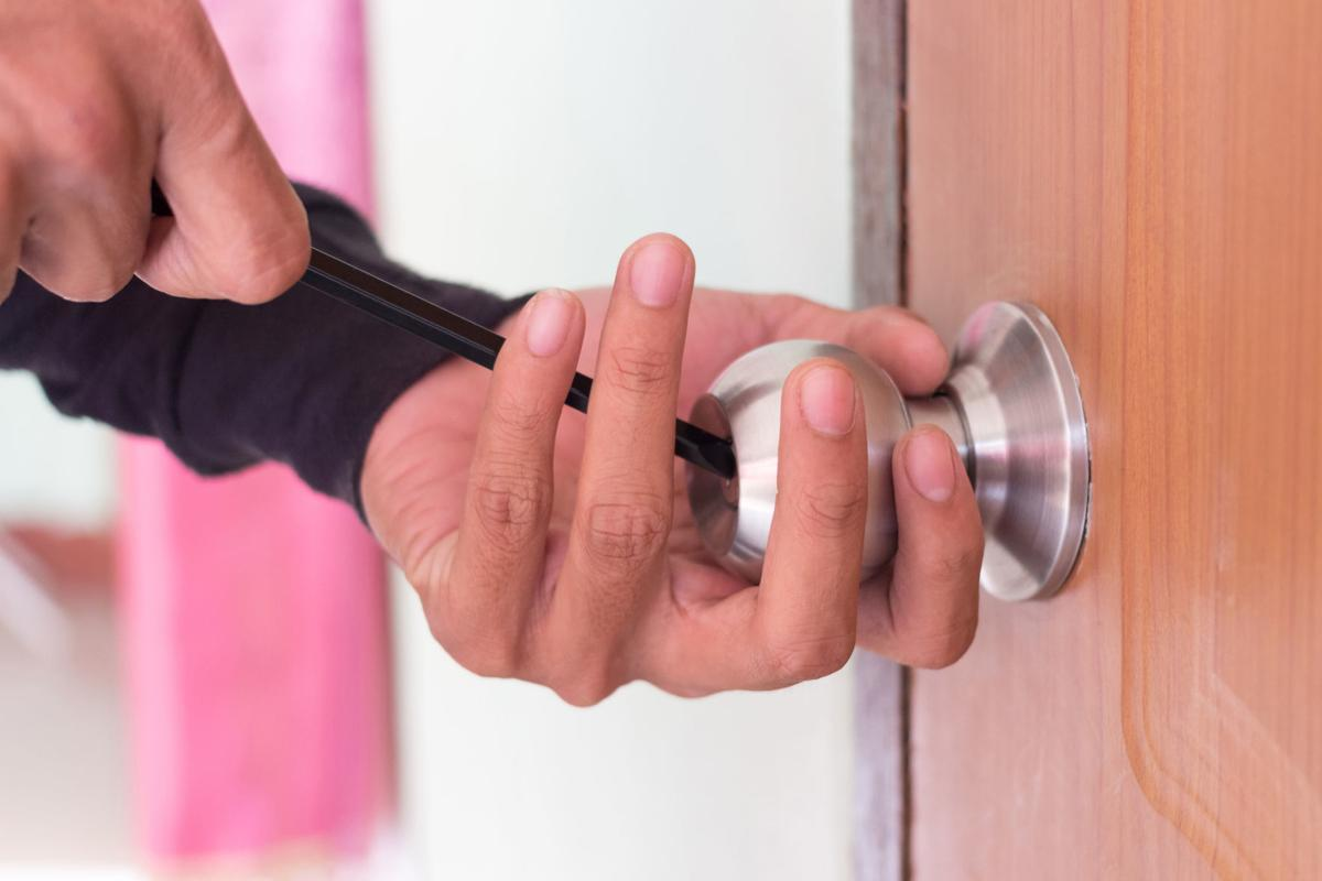 6 Tips To Hire A Professional Locksmith